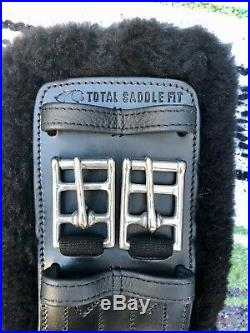 Total Saddle Fit StretchTec Dressage Girth 22 Black Fleece Liner