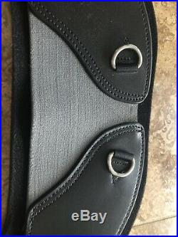 Total Saddle Fit- Stretch Tech Shoulder Relief Girth Dressage, Size 32