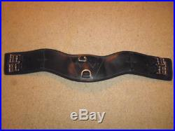WOW Padded Curved Short Dressage Girth black size 28 70cm anatomical