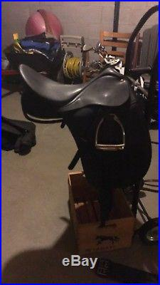 Wintec Dressage 250 Saddle 17.5 With Gullet kit, leather, irons, girth, and pad